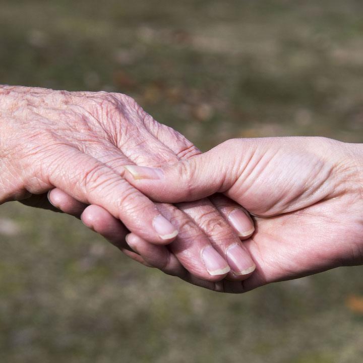 人とのつながりが大切な社会福祉士