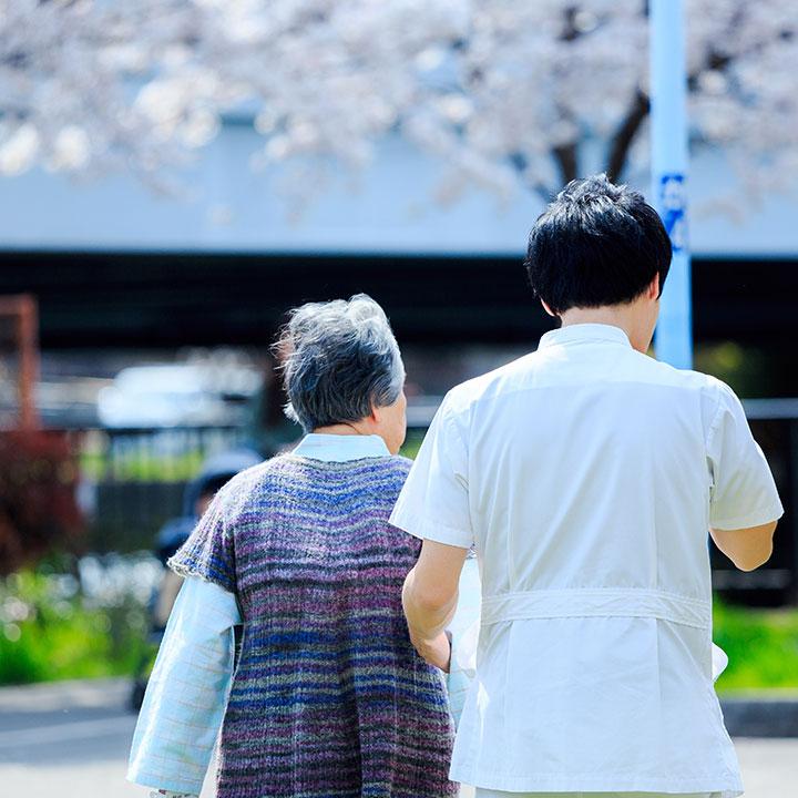 老人保健施設で働く人の職種を紹介